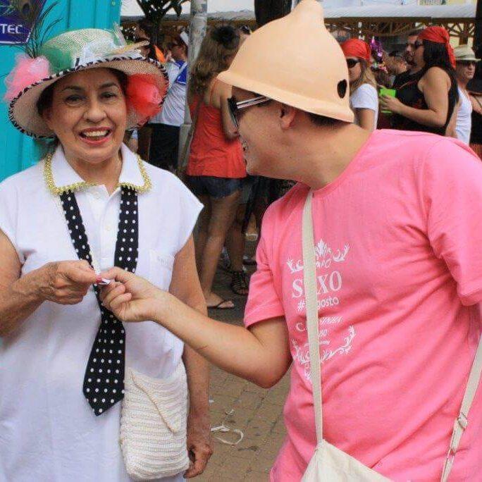 Marketing de guerrilha - Carnaval - Distribuição de Camisinhas